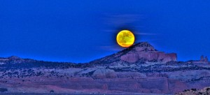 Moon over Pyramid Rock, near Gallup, NM. (http://www.flickr.com/photos/cazen/)